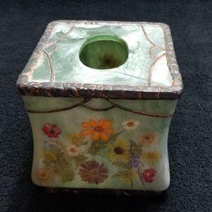 Tissue Box Cover New Fresh Fields W/Dried Flowers
